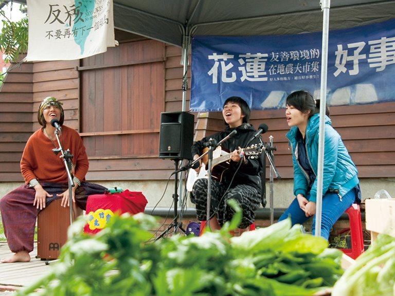 第七屆臺北藝術節|看心心 — 啊!禮物Adingu|微光計劃,潘巴奈(潘靜亞)、高依璇