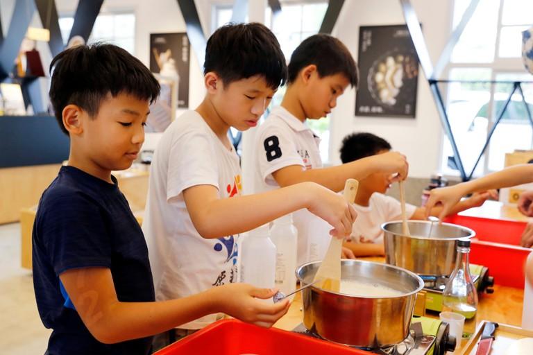 自己動手做豆腐 | 禾乃川國產豆製所 | 改變生命的豆漿店