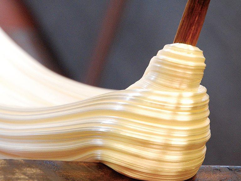 〖主題企劃〗六種工作/十二項手掌之間的極限動作!「拉・扯 —— 糖蔥」糖的告白:拉拉扯扯之情更稠——三峽卓師傅糖蔥。