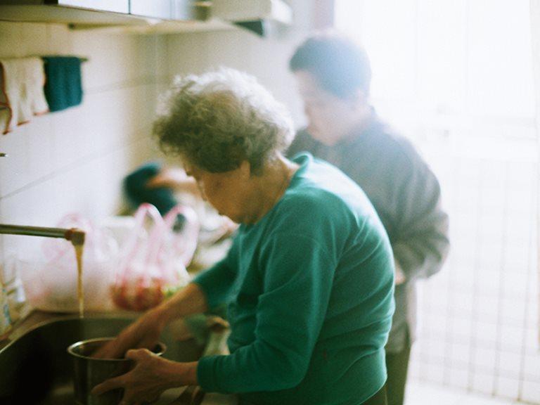 家鄉的味道是什麼,或許在每個人心中都是那麼的不同。可能是一碗飯,一盤菜,可能豐盛,也或許簡單。—— 雲南眷村裏的鄉味