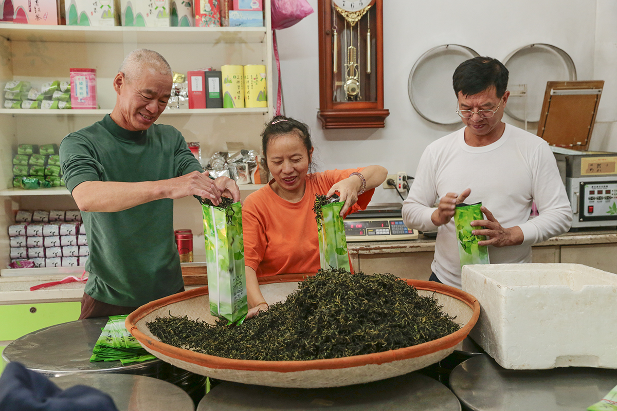 Tian Fang Tea Shop is willing to bear the extra responsibility of inheritance. | Made of naturally non-GMO soybeans from Taiwan | KOUJI Restaurant