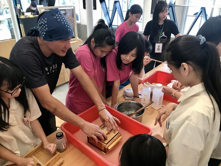 手工壓模成形 | 禾乃川國產豆製所 | 改變生命的豆漿店