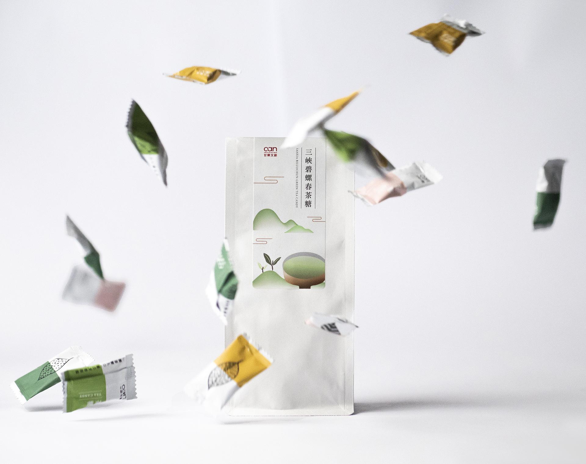 佳節送禮的時刻,禮盒準備好了嗎?這邊幫您統整好年節送禮懶人包,不論是年節企業送禮、公司禮品採購或是送給家人朋友都是一個好選擇,甘樂文創提供七種不同設計風格以及健康養生的禮盒,絕對是您送給客戶與員工的首選!有嚴選「小草書屋職研烘焙坊」用心烘焙,傳遞給您一份療癒且充滿溫度的手作點心,以及禾乃川國產豆製所的健康豆製品。 | 改變生命的豆漿店