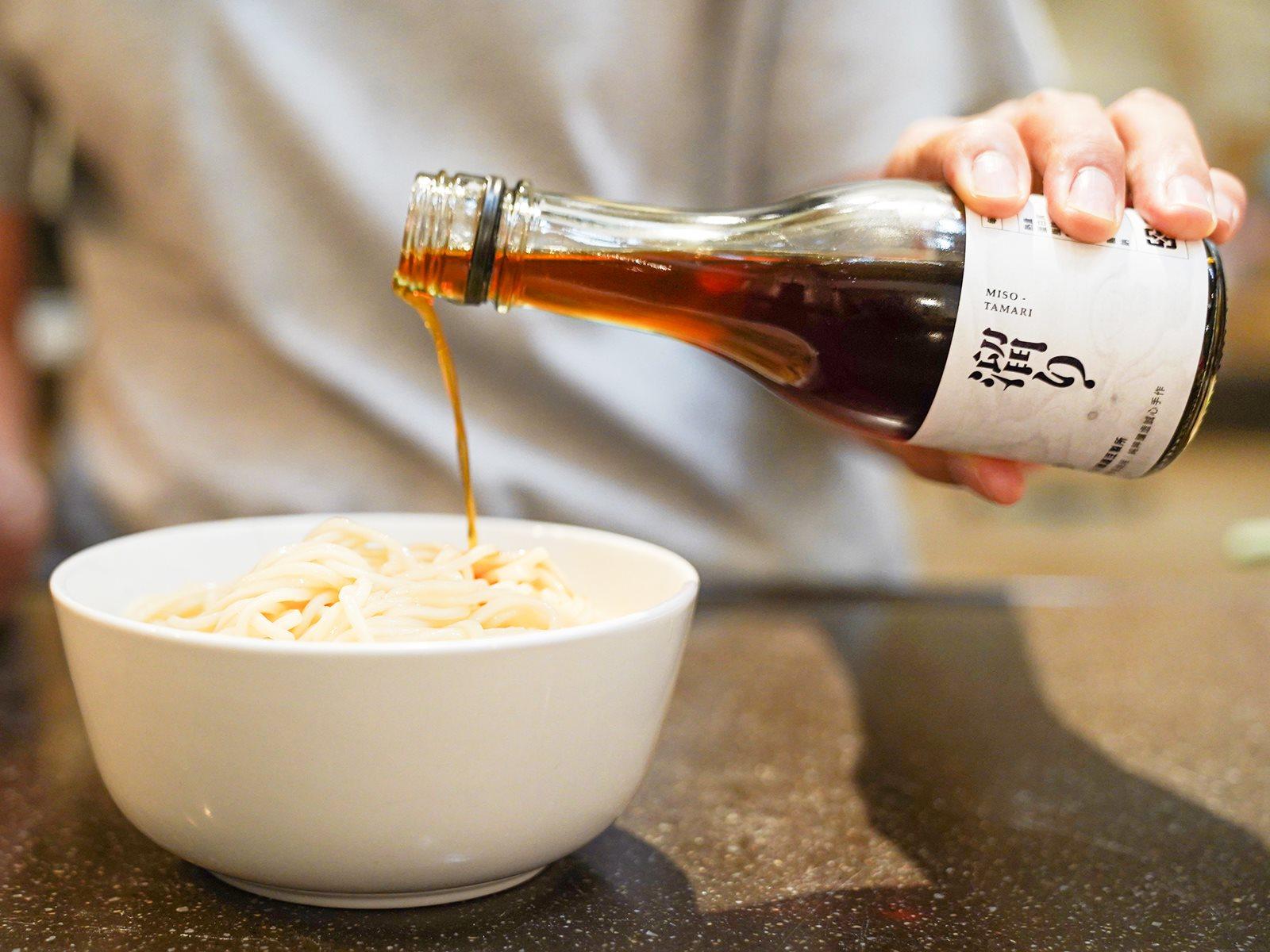 乾拌麵醬要搭配甚麼醬油?禾乃川味噌溜醬油完美比例告訴你